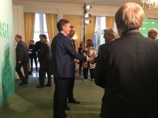 Chefredakteur und Geschäftsführer des Abendblatts begrüßten jeden einzelnen Gast mit Handschlag